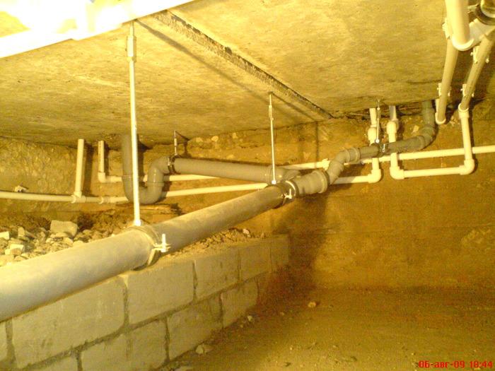 Разводка труб канализации в доме